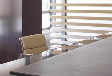Company Detail Stuhl mit Tisch