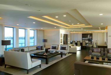 Luxusyacht Wohn- und Essbereich