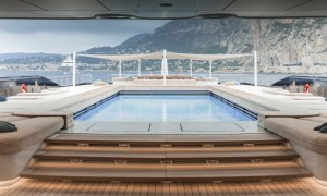 Luxusyacht Luna Pool